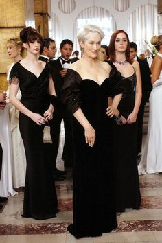 Meryl Streep, Anne Hathaway, and Emily Blunt in The Devil Wears Prada Devil Wears Prada, Prada Outfits, Cool Outfits, Emily Blunt, Anna Wintour, Moda Aesthetic, Glamour Vintage, Robes Glamour, Miranda Priestly