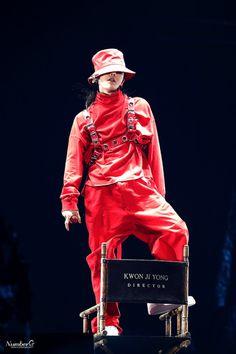 The red doll😍❤ Daesung, Gd Bigbang, Bigbang G Dragon, Gdragon Motte, Yg Groups, Jiyong, Bigbang Wallpapers, G Dragon Fashion, Big Bang Kpop