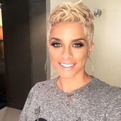 68 Best Stunning Pixie Short Hairstyle 💖 For Stylish Ladies Love To Try For Fall And Winter 👩 - Pixie Haircut 22 💕𝕴𝖋 𝖀 𝕷𝖎𝖐𝖊, 𝕵𝖚𝖘𝖙 𝕱𝖔𝖑𝖑𝖔𝖜 𝖀𝖘!💕 💕 💕 💕 💕 💕 💕 💕 💕 💕Everythings about pixie short hairstyles for women! Short Blonde Pixie, Short Grey Hair, Short Hair Cuts, Short Hair Styles, Pixie Haircut Fine Hair, Short Pixie Haircuts, Winter Hairstyles, Short Hairstyles For Women, Cute Pixie Cuts