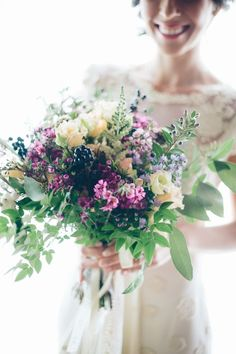 Flower photography | Flower-Filled and Rustic Italian Wedding bouquet |