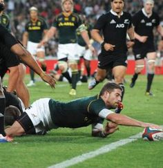 Die blitsige Willie le Roux druk sy drie kort nadat die tweede helfte begin het. Best Rugby Player, Rugby Players, South African Rugby, Super Rugby, Australian Football, Six Nations, All Blacks, Rugby World Cup, Rugby League
