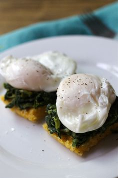 Hearty Brunch: Eggs Florentine with Polenta Cakes