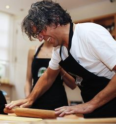 Pasta-rolling the Giorgio Locatelli way. Romantic Italy, Italian People, Working People, Little Kitchen, Maybe One Day, Sophia Loren, Food Waste, Wine Recipes, Pin Up