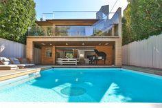 Pamela Anderson's Malibu Beach House   LuxuryHomes.com – Living
