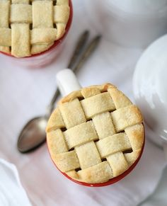 Or you can go with the classic lattice. | 23 Ways To Make Your Pies More Beautiful
