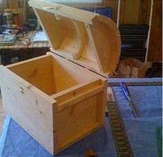 How to make a Treasure Chest This chest was made with scrap wood boards of approx And equipment Boxes Treasure Discover