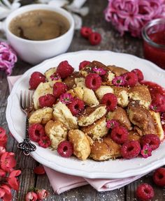 Veganer Kaiserschmarrn – Bianca Zapatka # Food and Drink vegan breakfast Veganer Kaiserschmarrn - Bianca Zapatka Vegan Breakfast Recipes, Vegan Recipes, Pancake Recipes, Gnocchi Vegan, Desserts Végétaliens, Breakfast Desayunos, Breakfast Ideas, Breakfast Pictures, Bon Dessert