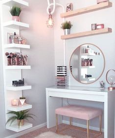 Perfte on Gorgeous pink and rose gold vanity inspiration for your Perfete home via ddelasoul. Cute Room Decor, Teen Room Decor, Room Ideas Bedroom, Room Decor Bedroom Rose Gold, Rose Gold Rooms, Diy Small Bedroom, Modern Bedroom, Target Room Decor, Rustic Girls Bedroom