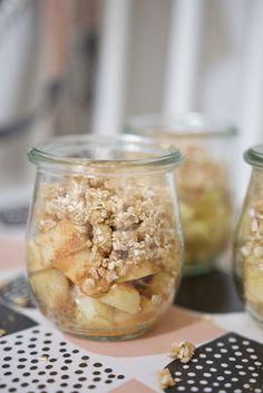Apple Crumble im Glas - Perfekt zum Picknick oder zum Verschenken