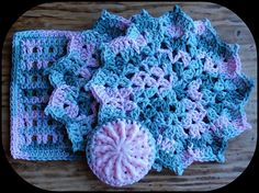 This lovely crochet flower dishcloth will only take you about 30 minutes. Perfect for last minute gifts and to use your stash, Pretty Petals Dishcloth by Julee Fort you'll fall in love with. It's easy, fast and effective and looks great and decorative in any color combination. Roses are red, violets are blue and you …