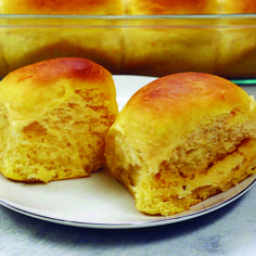 Sweet Potato Dinner Rolls are so very fluffy soft and delicious! The recipe was extremely easy to make. They would be perfect for weeknight meals or holiday dinners. The post Sweet Potato Dinner Rolls appeared first on Daisy Dessert. Sweet Potato Rolls, Sweet Potato Dinner, Potato Rolls Recipe, Sweet Potato Dessert, Sweet Dinner Rolls, Sweet Potato Bread, Sweet Potato Biscuits, Bread Recipes, Baking Recipes