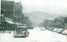 Snowy day in downtown Elizabethton