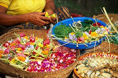 Balanese ceremonial food being prepared Everything Is Awesome, Indonesian Food, Summer Time, Bali, Recipes, Indonesian Cuisine, Recipies, Ripped Recipes, Summer