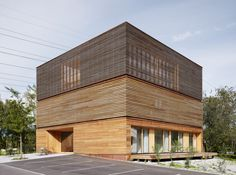1000 images about wood on pinterest joinery timber cladding and architects - The wing house maison ailee en australie ...