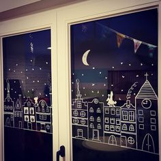 34 vind-ik-leuks, 8 reacties - Liesbeth Beeken (@liesbethbeeken) op Instagram: 'Zie de maan schijnt door de bomen....❄🌙 #raamtekening #zoeksintenpiet #sinterklaas #toverboom' Christmas Classroom Door, Christmas Mood, Little Christmas, Xmas Window Decorations, Country Christmas Decorations, Vitrine Design, Creation Deco, Window Art, Xmas Crafts