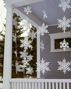 Cheap But Stunning Outdoor Christmas Decorations Ideas 24