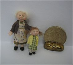 Adora Bella Minis 48th Scale Dolls ~ Gran and Granddaughter.