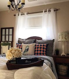 Hope everyone is having a great Monday Think my guest room is my favorite room because it's the room that is always clean! If a child has gone missing check under the bed they'll be hiding there  Resharing for #moveitupmonday #colorfuldecor #diy #decor #design #decorating #decorideas #farmhousedecor #guestroom #GirlMomFun #homedeco #homedecor #homedesign #HerCuteRoom #houseproject #ighome #instahome #instadecor #kidsofinstagram #myhome #MomLife #myinsta #myinspiration #pinspiration…