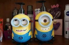 haaa los minions d botesito para el soap :)
