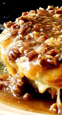 Buttermilk Skillet Cake With Pecan Praline Topping ~ Whether you're going to make some no-fuss after-dinner goodness or just want to satisfy your sweet-tooth you just have to try this recipe.
