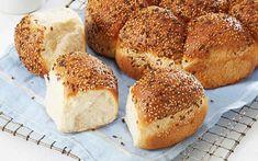 Brytebrød i form Recipe Boards, Omelette, Scones, Berries, Sandwiches, Lunch, Baking, Breakfast, Recipes