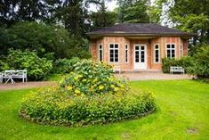 Klassisches Weimar Parks, Mansions, House Styles, Home Decor, Weimar, Heritage Site, Scenery, Nature, Decoration Home