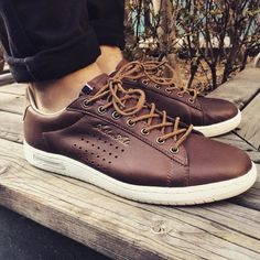 1000 images about footwear styling on pinterest arthur ashe sneakers and shoes sneakers. Black Bedroom Furniture Sets. Home Design Ideas