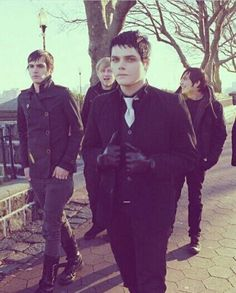 My Chemical Romance Emo Bands, Music Bands, My Chemical Romance, Music Stuff, My Music, Music Mix, Music Guitar, Mikey Way, Black Parade