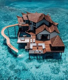 The most detailed travel guide about the Maldives for every budget! Learn everything about the Maldives and plan your the best vacation! Vacation Places, Honeymoon Destinations, Dream Vacations, Vacation Spots, Water Villa, Beste Hotels, Unique Hotels, Amazing Hotels, Beautiful Hotels