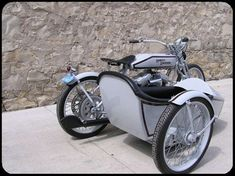 Replica 1918 with Sidecar - McKay's Cycle Creations