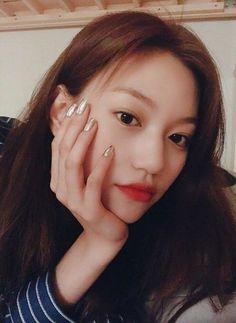 Doyeon l Wiki miki Kpop Girl Groups, Kpop Girls, Choi Yoojung, Kim Doyeon, Bright Eyes, Ioi, Girls Generation, Girl Crushes, Girlfriends