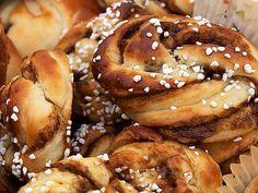 Lakrits- och citronsnurror Best Sweets, Pretzel Bites, Doughnut, Cupcakes, Bread, Desserts, Recipes, Food, Cheesecake