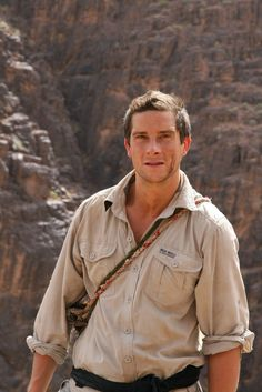 I love this man , i watched every his survival shows on tv Bear Grylls - Man vs Wild. Man Vs Pin, Beautiful Men, Beautiful People, Pretty People, Bear Grylls Survival, Actors Male, Entertainment, Boy Fashion, Role Models
