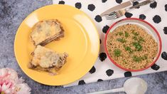Sajtos-tejfölös rakott hús | Mindmegette.hu Palak Paneer, Ethnic Recipes, Food, Meal, Essen, Hoods, Meals, Eten