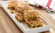 Greek eggplant pita with peppers and Kasseri cheese. Greek Dishes, Shortcrust Pastry, Greek Recipes, Food Inspiration, Food And Drink, Cooking Recipes, Stuffed Peppers, Lunch, Ethnic Recipes