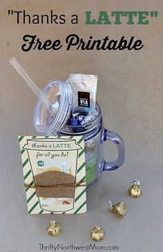 Thanks a Latte FREE Printable - If you're looking for an easy teacher gift for Christmas, this Thanks a Latte Free Printable card is a great one to add to a gift card and even a reusable cup. Teachers love coffee gift cards! Great for neighbor gifts or gifts for a friend, too.