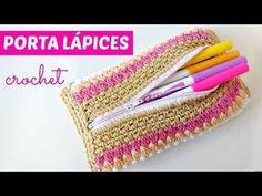 Neceser de crochet tejido en una sola pieza y cremallera incorporada - YouTube Tunisian Crochet, Irish Crochet, Diy Crochet, Crochet Crafts, Crochet Projects, Crochet Pencil Case, Mochila Crochet, Bf Gifts, Crochet Keychain