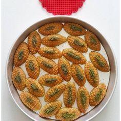 How is Kalburabastı made? Turkish Recipes, Ethnic Recipes, Eid Food, Yogurt, Nom Nom, I Am Awesome, Diy And Crafts, Deserts, Food And Drink