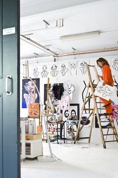 Esther Jostmeijer - Wonen Art Studio Room, Art Studio Design, Art Studio At Home, Painting Studio, Artist Workspace, Farrow Ball, Interior Design Presentation, Turbulence Deco, Atelier D Art