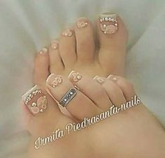 Pretty Toe Nails, Cute Toe Nails, Glam Nails, Bling Nails, Nails First, Nails Only, Pedicure Nail Art, Toe Nail Art, Feet Nail Design