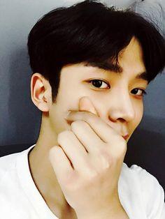 ❤ʀᴏᴡᴏᴏɴ ᴡᴀʏ❤로운웨이 (@RW_Way) | Twitter Neoz School, Sf 9, Cute Patterns Wallpaper, Kdrama Actors, Hanbin, Jaebum, Baby Daddy, Minhyuk, Boyfriend Material