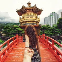 Photographer Murado Osmann Captures Girlfriend Leading Him Around the World