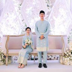 Muslimah Wedding Dress, Muslim Wedding Dresses, Dream Wedding Dresses, Wedding Ceremony Ideas, Wedding Stage Design, Wedding Designs, Malay Wedding Dress, Bridal Portrait Poses, Wedding Wishes