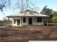 4555 Victoria Dr Ebr Mls Area 22 - 3 Bedrooms, 1 Bathrooms :: Home for sale in Baton Rouge, LA MLS# B1217074. Learn more with Darren James Real Estate Experts, LLC