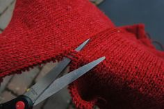 Nøsteblogg - Nøstebarns blogg: Nytt liv, fra genser til jakke!