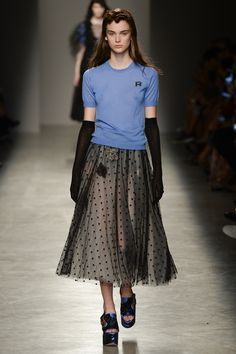 Rochas Spring 2017 Ready-to-Wear Fashion Show