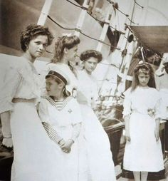 The four Romanova Grand Duchesses with Tsarevich Alexis on the Imperisl Yacht,The Standart.A♥W