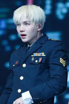 Definition of manly: Min Yoongi Jimin, Min Yoongi Bts, Min Suga, Bts Bangtan Boy, Daegu, Foto Bts, Bts Photo, Mixtape, K Pop