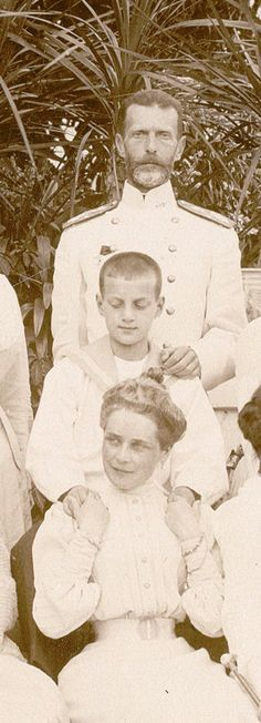 Tsar Nicolas Ii, Tsar Nicholas, Romanov Family Execution, Royal Monarchy, Prince Felix, Royal Photography, House Of Romanov, Winter Palace, Grand Duke