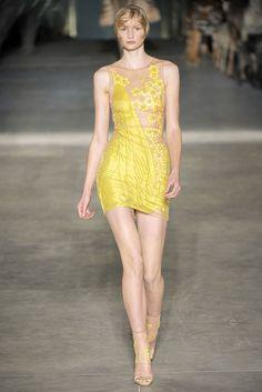 Alexander McQueen Spring 2009 Ready-to-Wear Fashion Show - Katrin Thormann (Women)